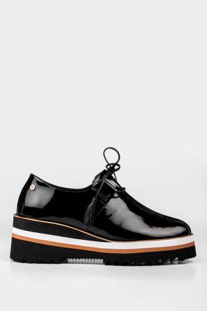 Zapatos plataforma de cuero charol
